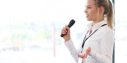 Wann benötige ich ein Mikrofon für meinen Konferenzraum?